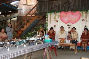 008 auf Hochzeit im Dorf